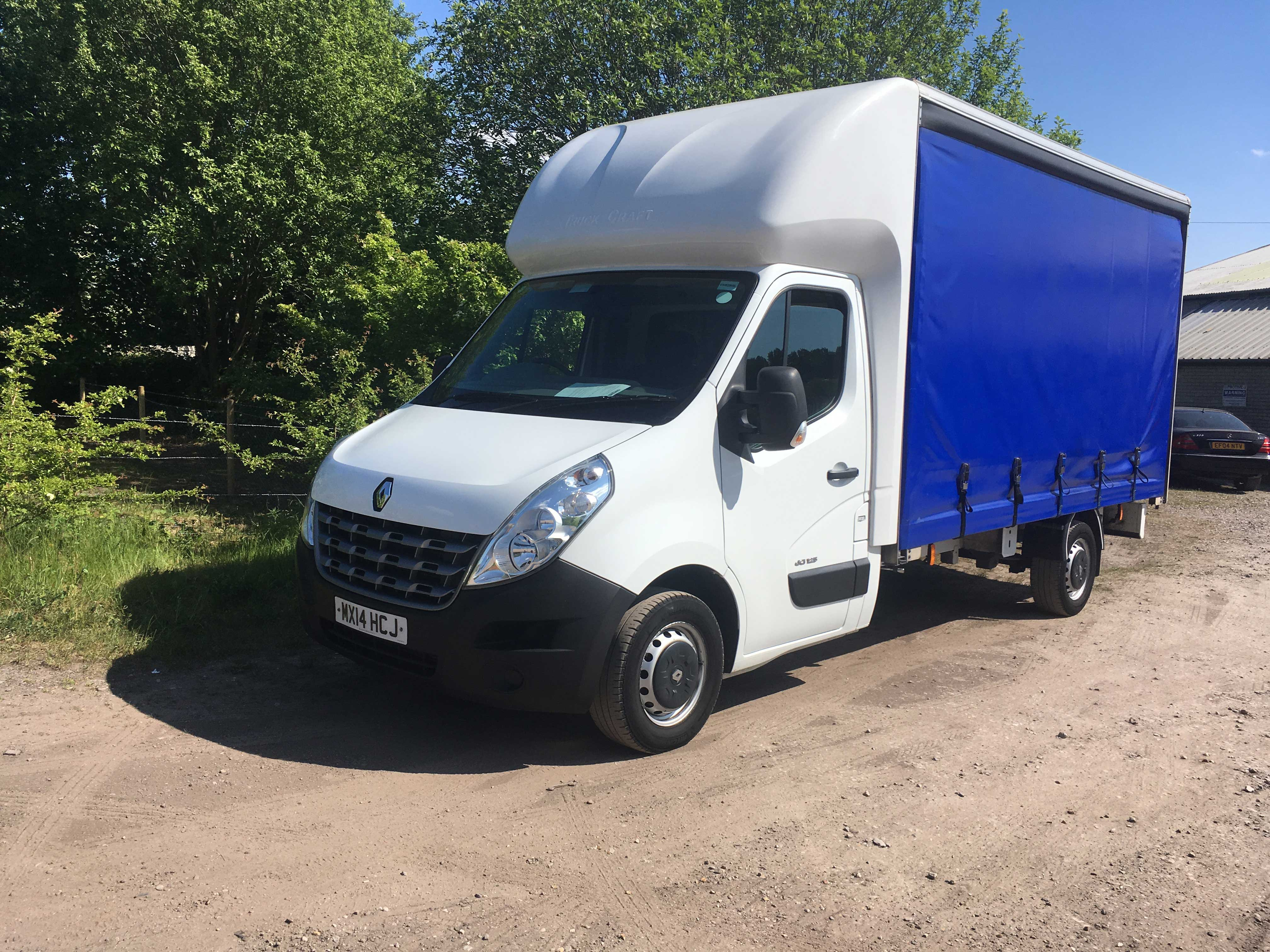 Renault Master Luton Curtain Side